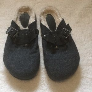 🎉5 for 15$ American Eagle Outfitters shoes